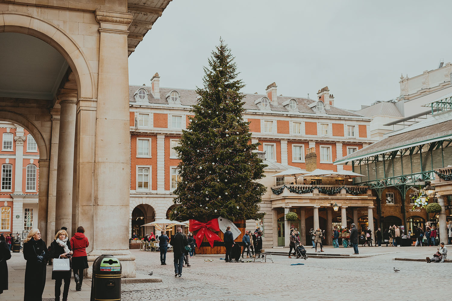 covent garden london christmas tree